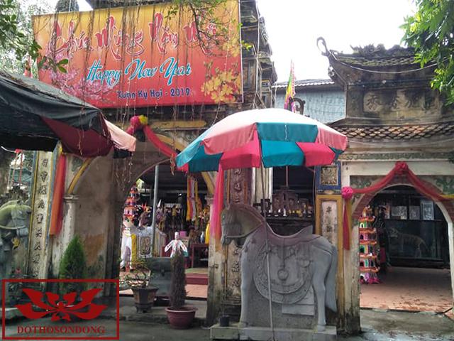 cổng tam quan đền lảnh giang
